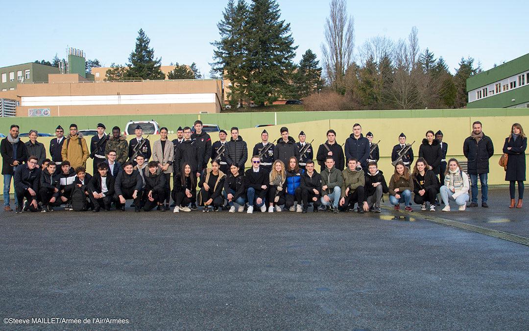 Visite de la base aérienne du Mont Verdun pour les 1 SN et 1 Géo Pol
